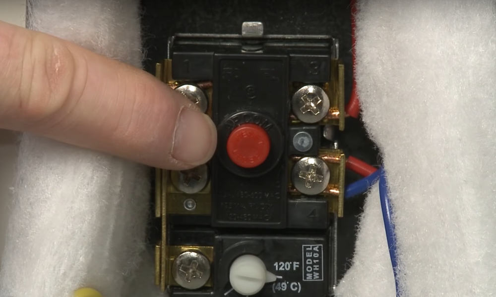 How to Troubleshoot a Defective Thermostat on An Electric Water Heater
